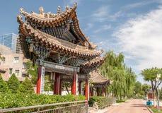 Padiglione tradizionale nel parco nella regione di Lanzhou Gansu, Cina di Yantan Fotografia Stock Libera da Diritti
