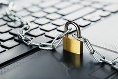 padlock клавиатуры компьютера Безопасность сети, безопасность данных и ПК предохранения от антивируса Стоковая Фотография