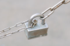 Padlock on Chain Royalty Free Stock Photos