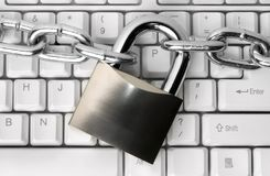 Padlock on a computer keyboard Royalty Free Stock Images