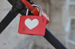 Padlock hjärta Arkivfoto