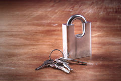 Padlock, keys, wooden, backgroud Royalty Free Stock Photography