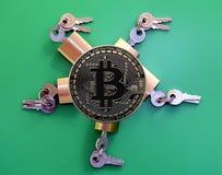 Padlocks и Bitcoin латуни Стоковые Изображения