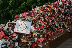 padlocks red Royaltyfri Foto