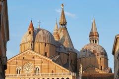 Padoue, Italie - 24 août 2017 : édifice de basilique pontificale de St Anthony de Padoue photos libres de droits