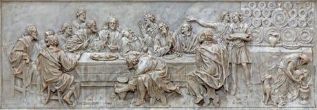 PADOVA, ITALIA - 9 SETTEMBRE 2014: Il sollievo di ultima cena in chiesa Basilica del Carmine sull'altare principale da Battista B Immagini Stock Libere da Diritti