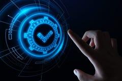 Padrão - conceito da tecnologia do negócio do Internet da garantia da segurança da certificação do controle da qualidade fotos de stock royalty free