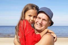 Padre allegro e figlia Fotografie Stock Libere da Diritti