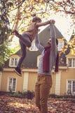 Padre che gioca con la figlia Padre e figlia Fotografia Stock Libera da Diritti
