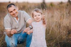 Padre con la figlia fotografia stock