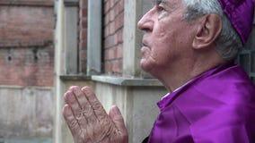 Padre Cursing God video estoque