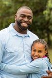 Padre e figlia dell'afroamericano Immagini Stock
