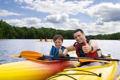 Padre e figlio felici fotografie stock libere da diritti