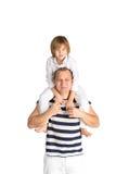 Padre e figlio felici Isolato su bianco Fotografie Stock Libere da Diritti