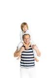 Padre e figlio felici Isolato su bianco Immagine Stock