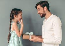 Padre e hija fotografía de archivo libre de regalías