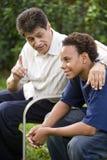 Padre e hijo interraciales Imágenes de archivo libres de regalías