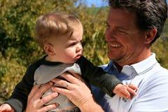 Padre e neonato Fotografia Stock Libera da Diritti