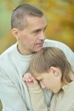 Padre e ragazzo tristi Immagine Stock Libera da Diritti