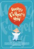Padre felice Day Family Holiday, cartolina d'auguri dell'aerostato della tenuta del figlio Fotografie Stock Libere da Diritti
