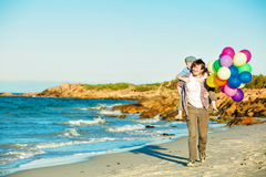 Padre felice e figlio che hanno grande tempo sul Fotografie Stock Libere da Diritti