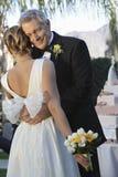 Padre feliz Hugging Daughter imagen de archivo