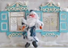 Padre Frost y casa rusa retra Fotografía de archivo