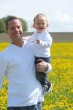 Padre orgulloso y su hijo Fotografía de archivo