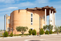 Padre Pio教会在皮耶特雷尔奇纳,意大利 免版税库存照片