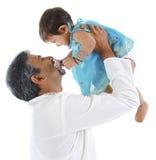Padre que juega con la hija Fotografía de archivo