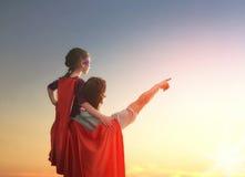 Padre y su hija Fotos de archivo libres de regalías