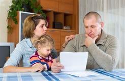 Padres trastornados que discuten tutela parental Imagen de archivo libre de regalías