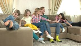Padres y niños felices, lento-MES almacen de video