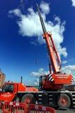 Padstow, Cornualles, el 11 de abril de 2018: La CA anaranjada 40/2L de Terex extiende Foto de archivo