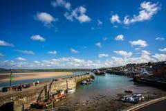 Padstowhaven in Padstow, Cornwall, het UK wordt genomen dat stock afbeelding
