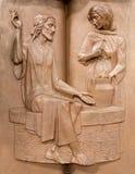 Padua - die moderne Metallentlastung auf der Kanzel in Kirche Santa Maria-dei Servi Jesus und die Samariterfrau Stockbild