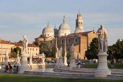 Padua, Italien - 24. August 2017: Die Basilika von Santa Giustina ist in der Mitte des Prato-della Valle-Quadrats Stockbild