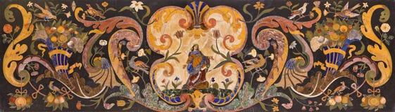 PADUA, ITALIEN - 8. SEPTEMBER 2014: Steinmosaik auf dem Hauptaltar von Basilikadi Santa Giustina Stockfotos