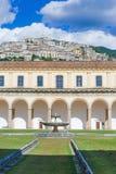 Padula Włochy, Wrzesień, - 2018: Wewnętrzny Podwórze Certosa Di San Lorenzo zdjęcia royalty free