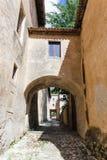 Padula Włochy, Wrzesień, - 2018: Zewnętrznie podwórze Certosa Di San Lorenzo obraz stock