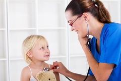 Paediatrician and patient Royalty Free Stock Photos