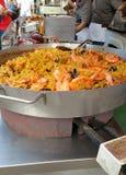 Paella που μαγειρεύεται στο στάβλο αγοράς Στοκ εικόνες με δικαίωμα ελεύθερης χρήσης