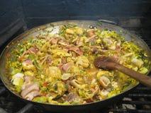 Paella - τρόφιμα και οικογένεια στοκ φωτογραφία με δικαίωμα ελεύθερης χρήσης