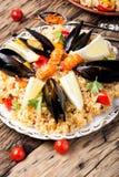 Paella espagnole avec des fruits de mer Photos stock