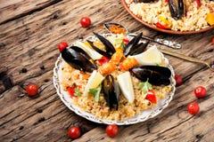 Paella espagnole avec des fruits de mer Photo libre de droits
