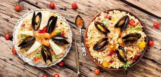 Paella espagnole avec des fruits de mer Photo stock
