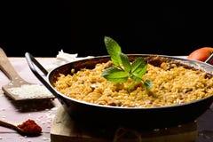 Paella espagnole de poulet Images stock