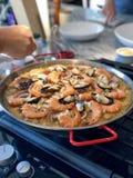 Paella espagnole faite à la maison Photo stock