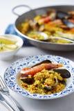 Paella espagnole typique de fruits de mer Photographie stock