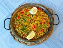 Paella i warzywa, jarski przepis zdjęcie royalty free